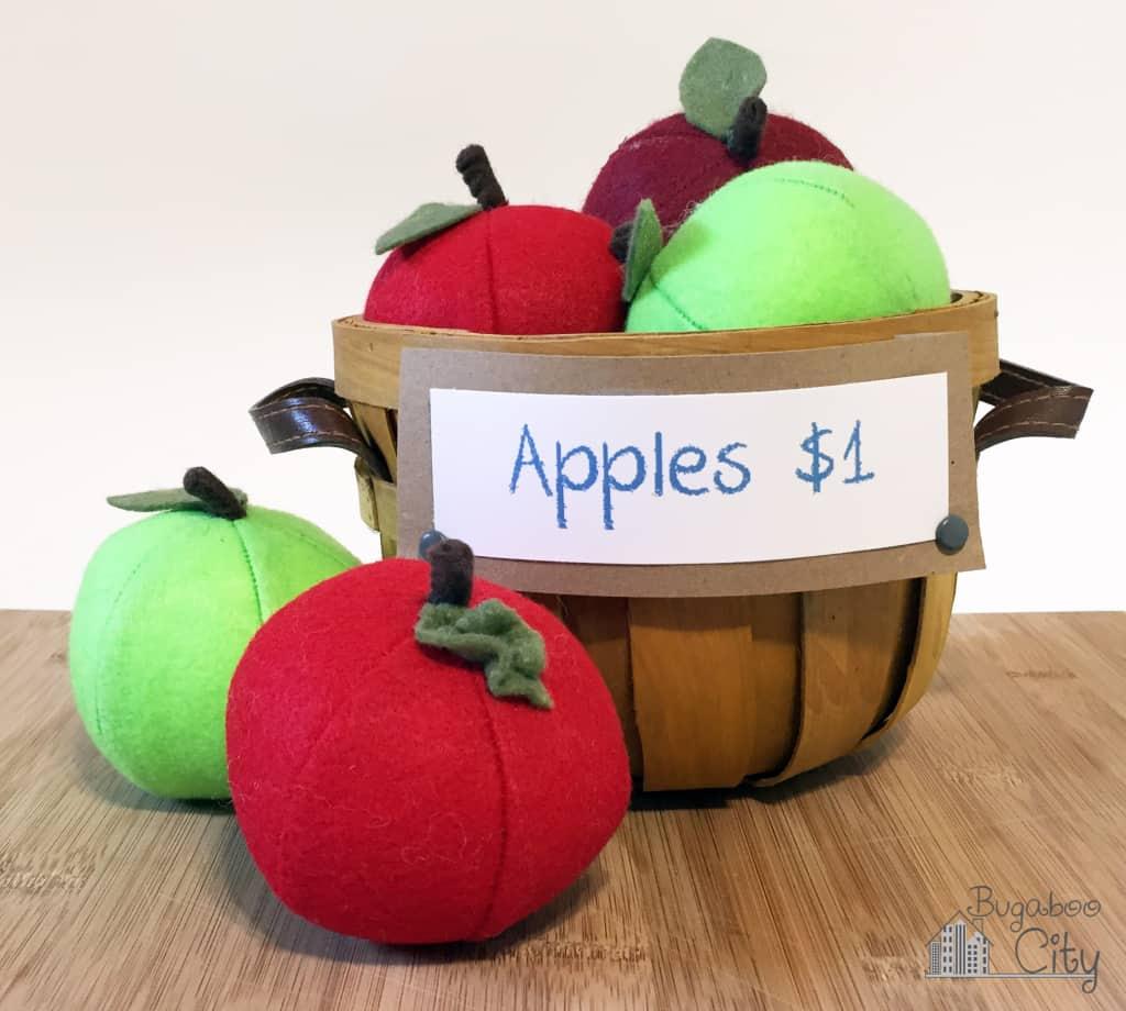 Felt apples