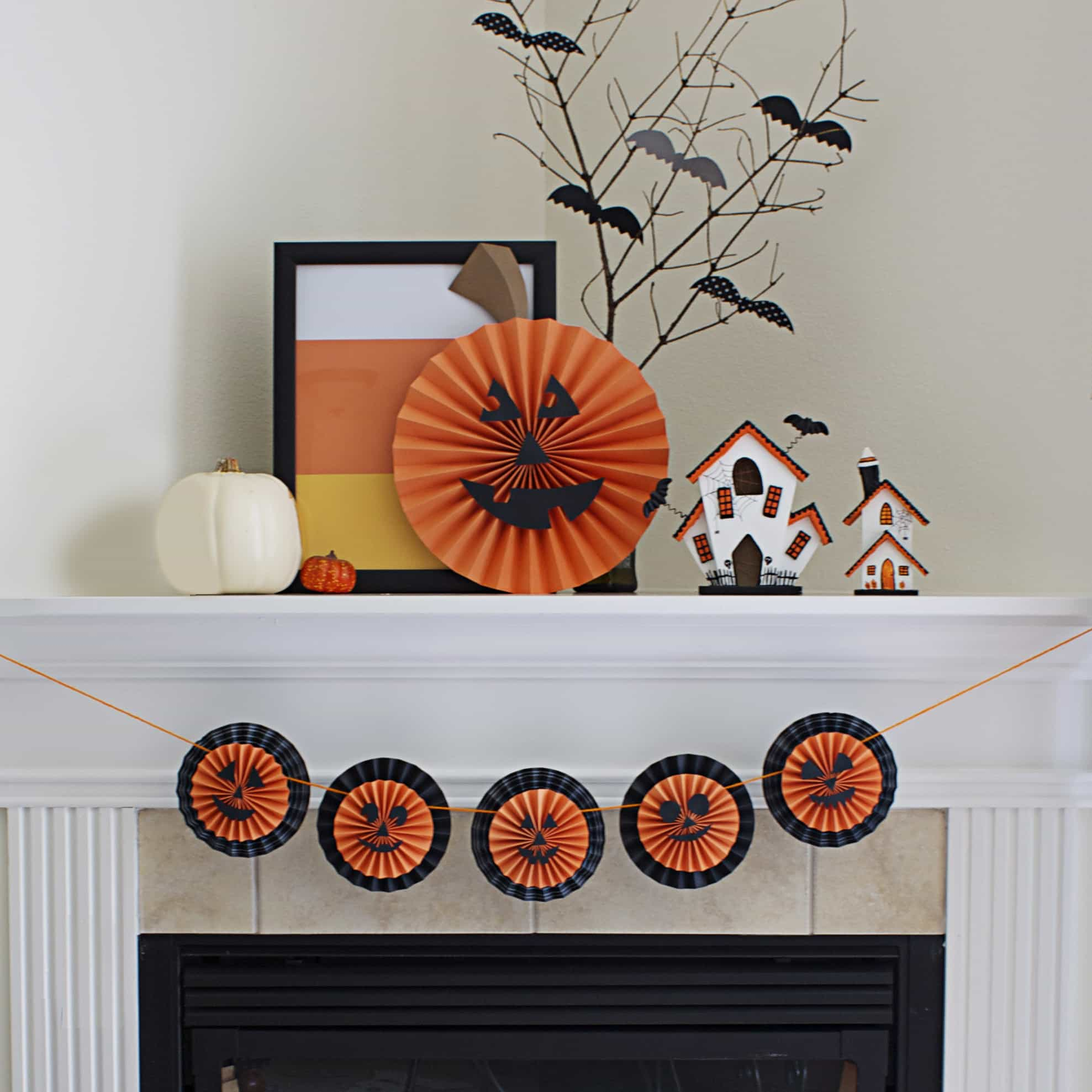 DIY Halloween Pumpkin Medallion Banner