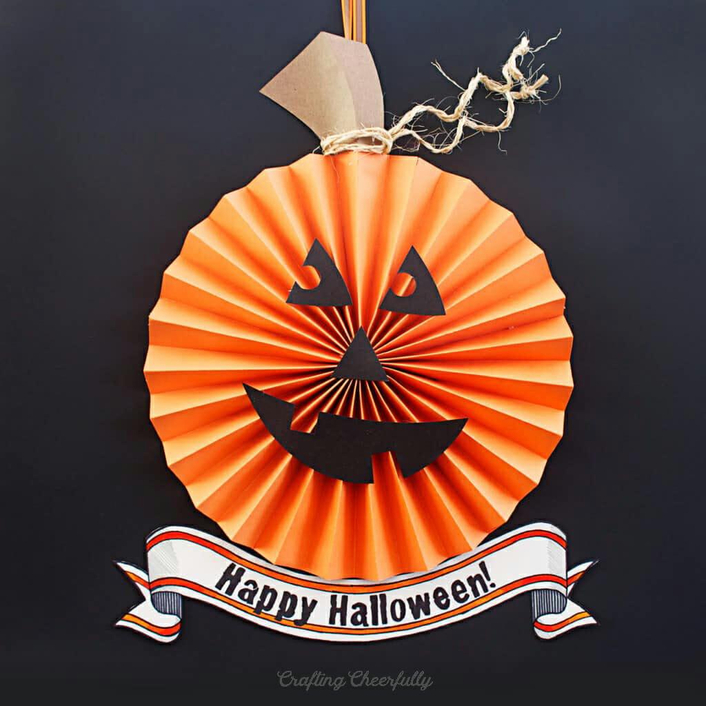 DIY Paper Pumpkin Wreath for Halloween