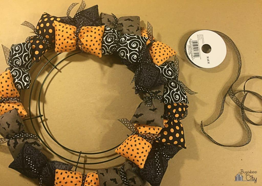 Halloween Pillow Wreath Tutorial 8