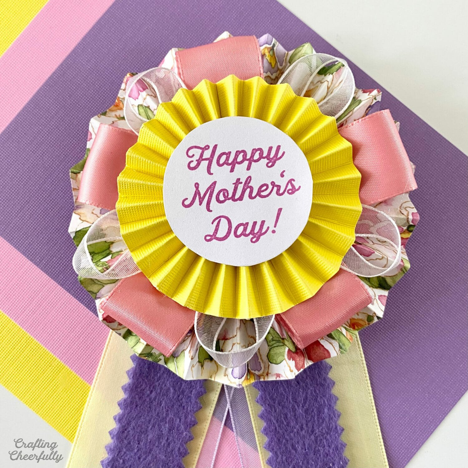 DIY Mother's Day Medallion Pin