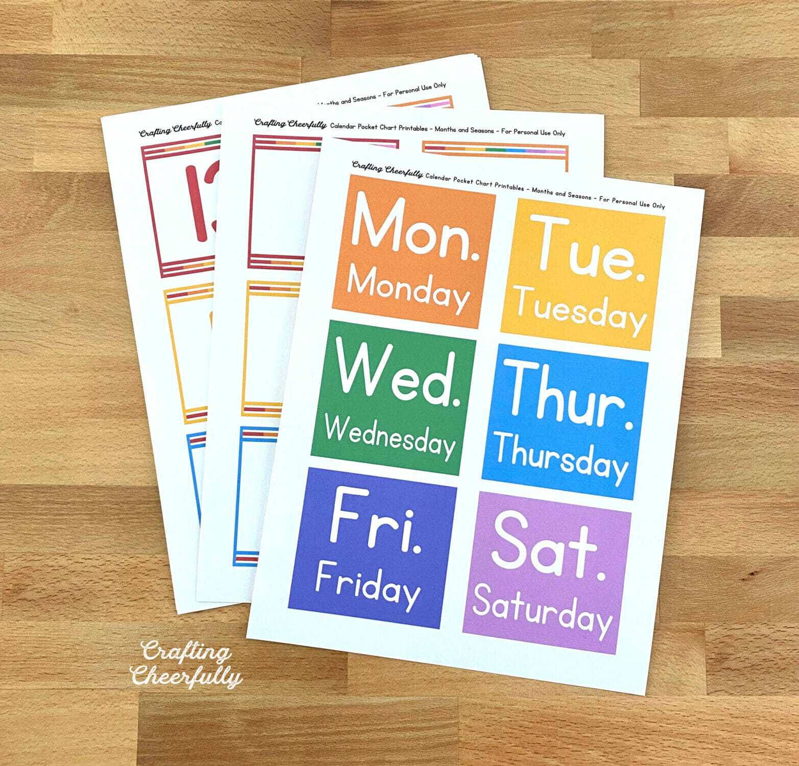 Pocket chart calendar printables showing the days of the week.